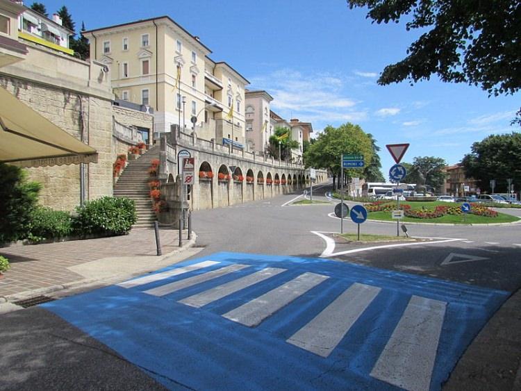 charakterystyczne przejścia dla pieszych w San Marino