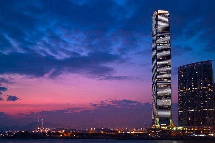 International Commerce Centre - jeden z najwyższych budynków świata
