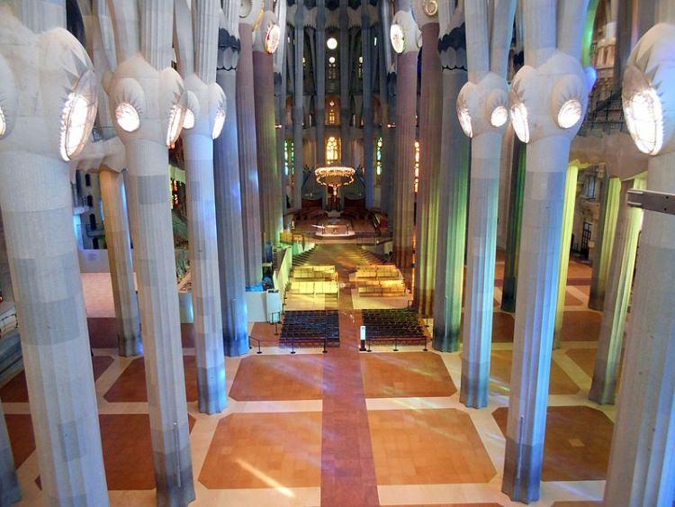 Sagrada Familia wnętrze