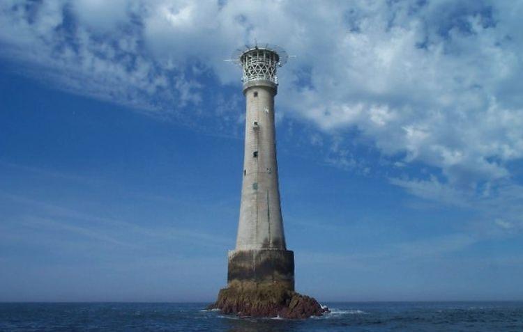 Bishop Rock maleńka wysepka z latarnią morską