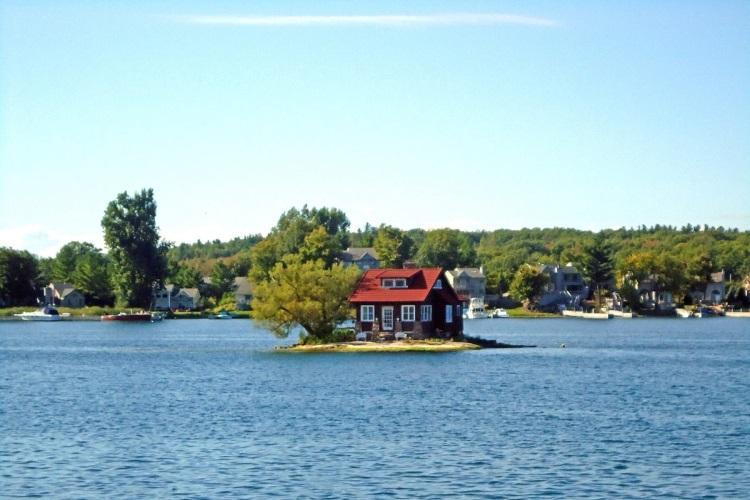 Just Room Enough Island - najmniejsza zamieszkana wyspa świata