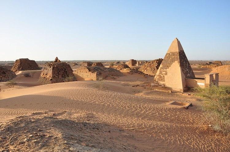 Piramidy w Sudanie