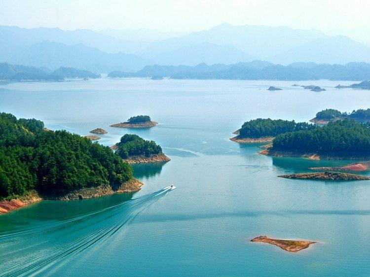 Jezioro Qiandao w Chinach