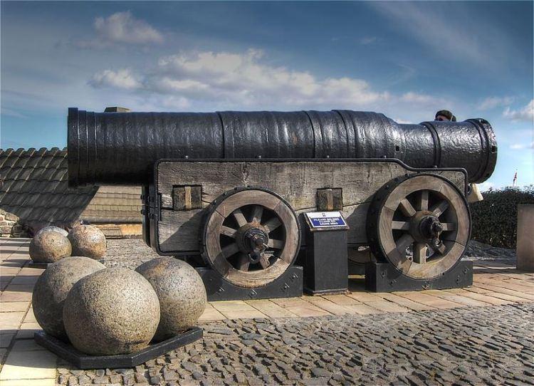 Armanta Mons Meg na zamku w Edynburgu