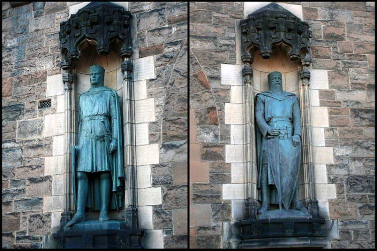 Pomnik Williama Wallece'a i Roberta Bruce'a na zamku w Edynburgu