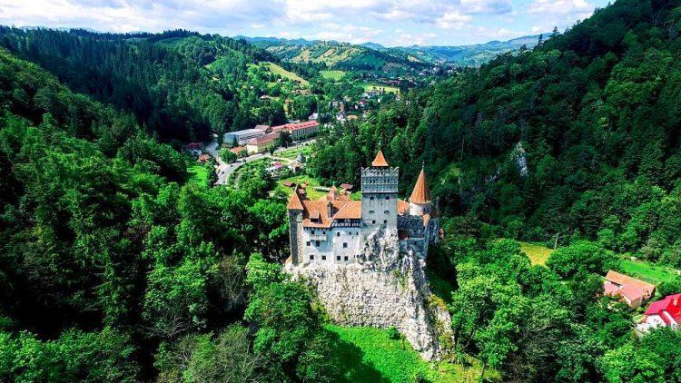 zamek w Branie - czy mieszkał tu Dracula?