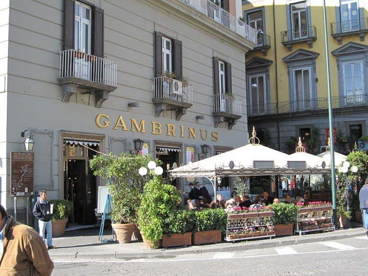 kawiarnia Caffe Gambrinus Neapol