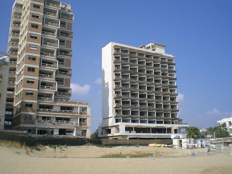 warosia opuszczone hotele