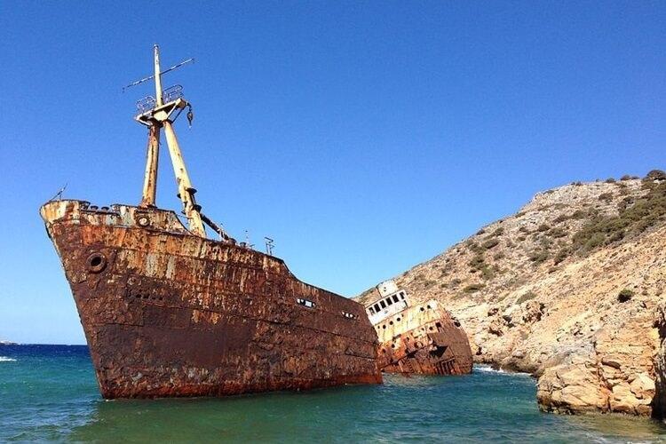 Wrak statku Olympia na wyspie Amorgos