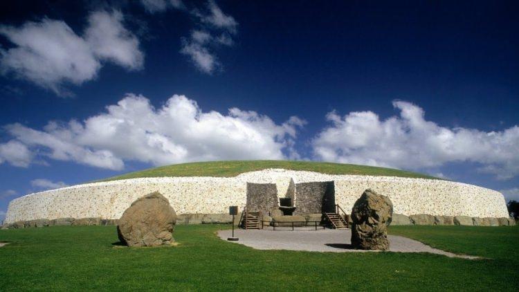 Newgrange w Irlandii