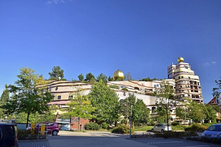 Waldspirale - nietypowy budynek w Niemczech
