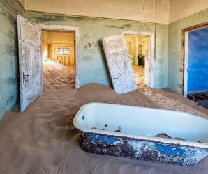 """Kolmanskop – opuszczone """"diamentowe"""" miasto w Namibii"""