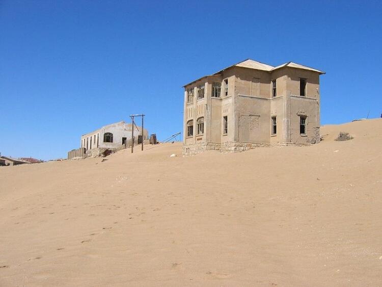 Opuszczone domy w Kolmanskop