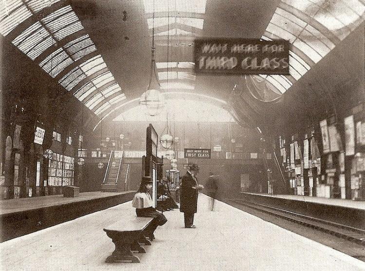 Stacja metra High Street Kensington w 1892 roku