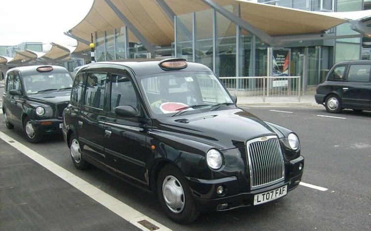 czarne taksówki londyn