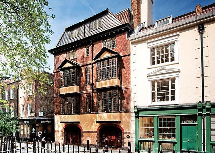 Najstarszy budynek mieszkalny w Londynie