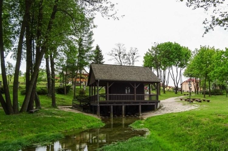 kapliczka na wodzie - Krasnobród