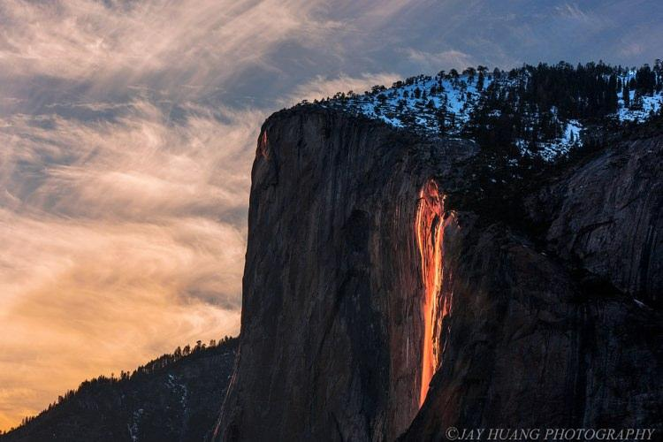 wodospad Horsetail w parku Yosemite