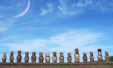 posągi na Wyspie Wielkanocnej