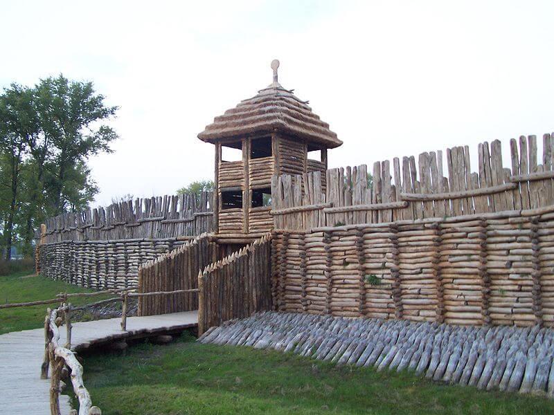 brama osady w Biskupinie
