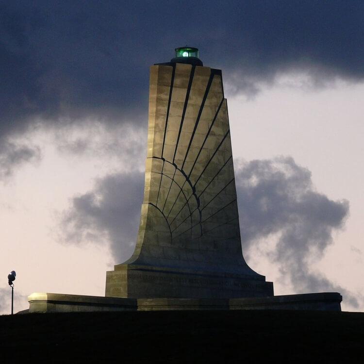 pomnik upamiętniający braci Wright