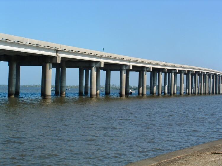 Manchac Swamp Bridge - jeden z najdłuższych mostów na świecie