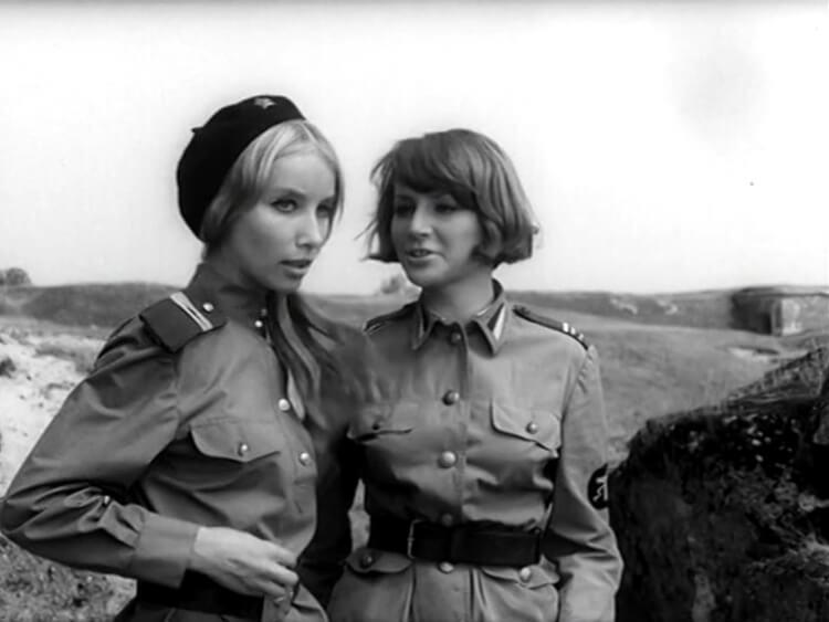 Pola Raksa i Małgorzata Niemirska w serialu Czterej Pancerni i Pies