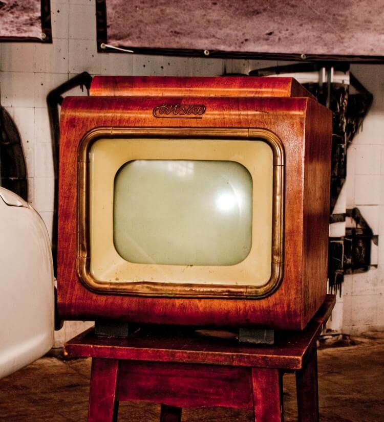 kultowe telewizory z czasów PRL - telewizor Wisła