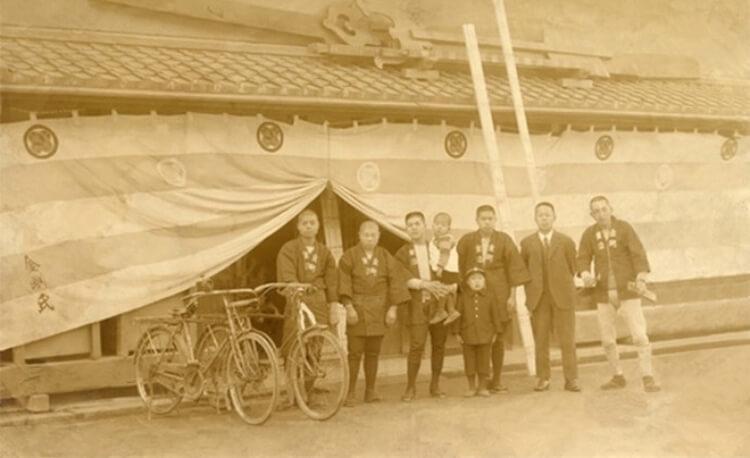 Pracownicy Kongō Gumi na początku XX w.