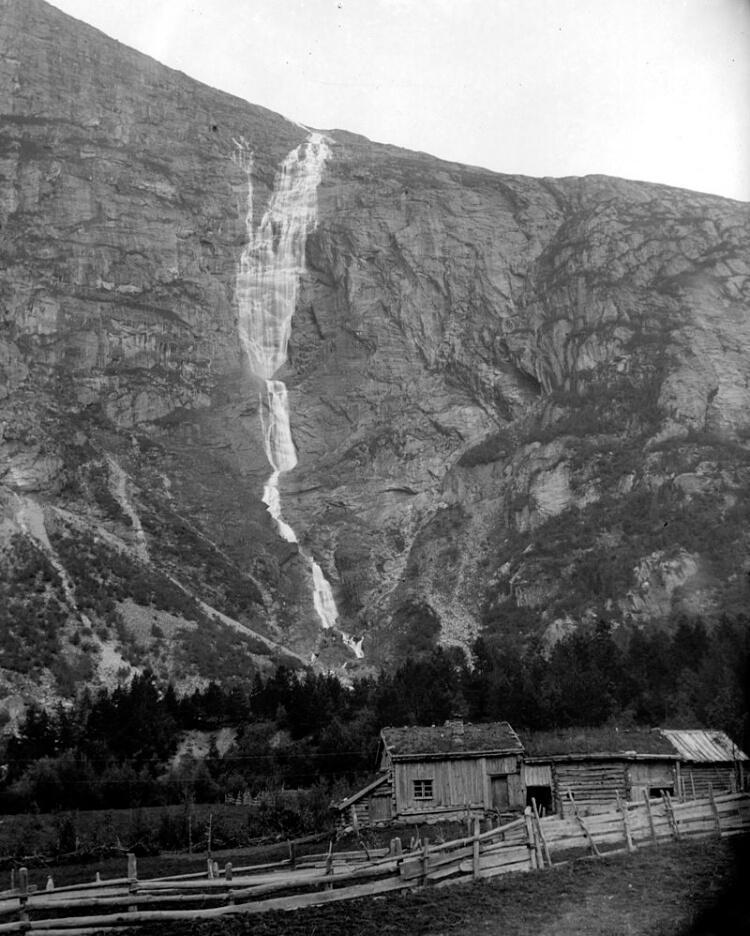 Mongefossen około 1900 roku