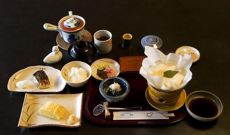 tradycyjne japońskie śniadanie