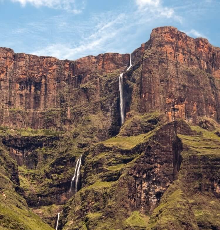 Tugela Falls w RPA to drugi najwyższy wodospad świata
