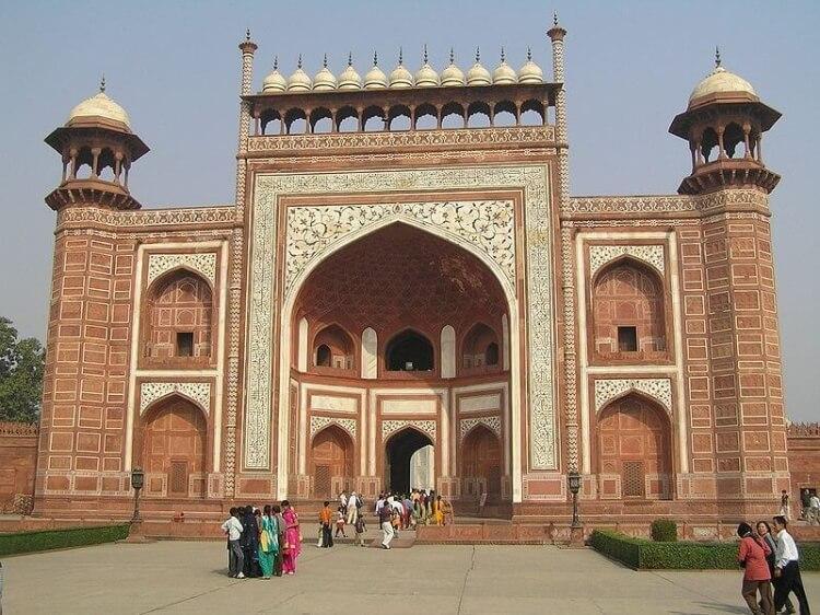Brama wejściowa do Tadź Mahal