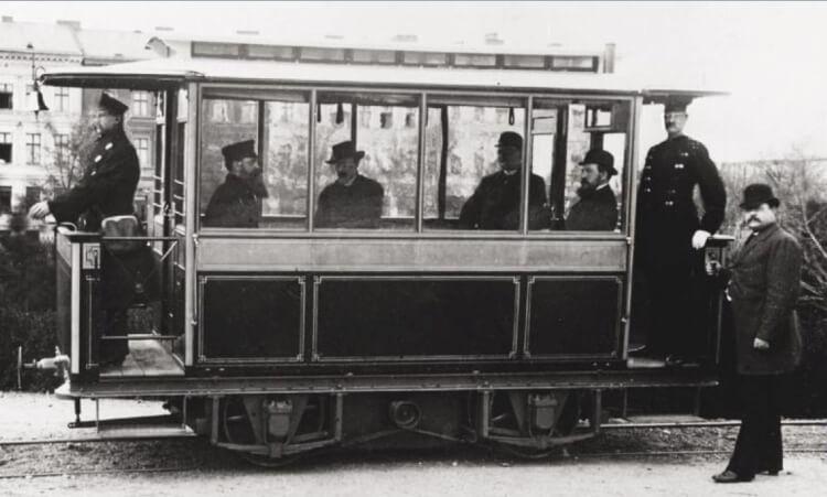 Pierwszy na świecie tramwaj elektryczny Wernera von Siemensa