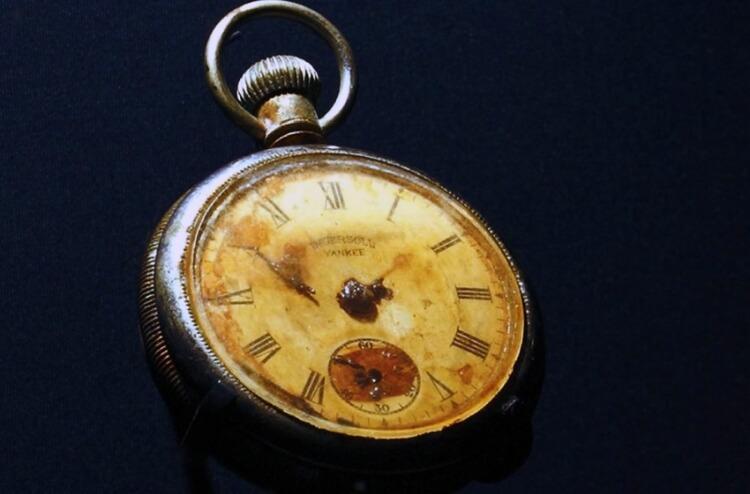 Zegarek Edmunda Stone odnalezione we wraku Titanica