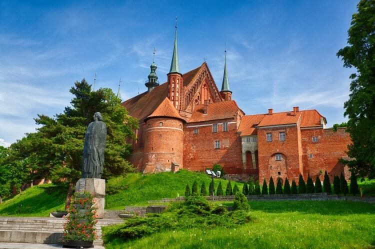 Gotycka katedra z XIV wieku w Fromborku