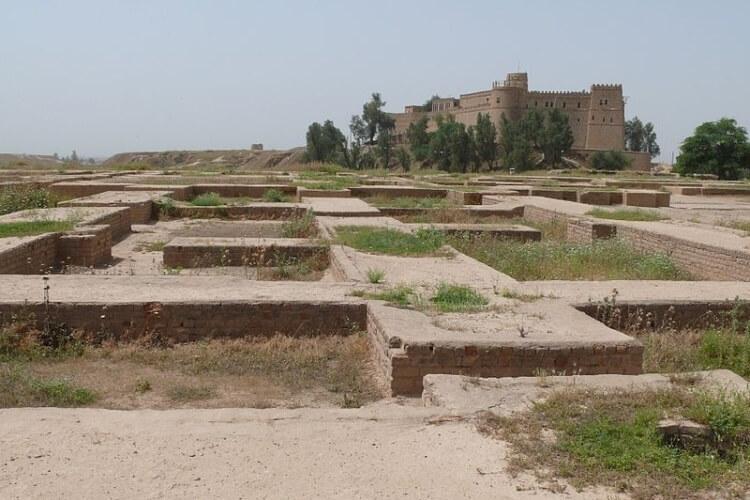 Ruiny pałacu Dariusza I w Suzie