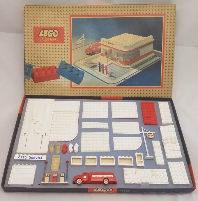 Zestaw LEGO z 1958 roku - stacja benzynowa