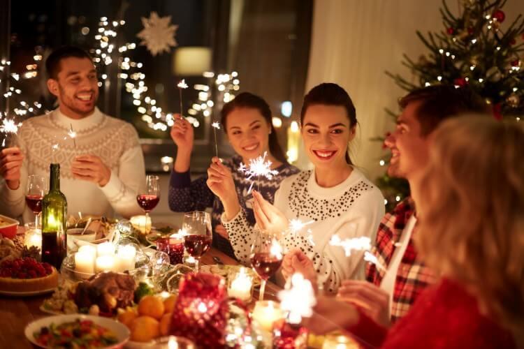 spotkanie przy świątecznym stole