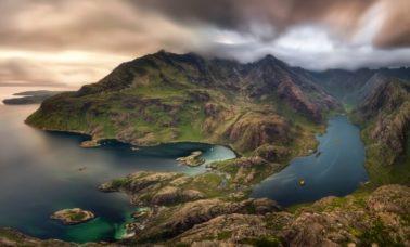 Jezioro Loch Coruisk na wyspie Skye