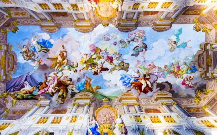Freski zdobiące sufit kościoła św. Piotra i Pawła w Melk