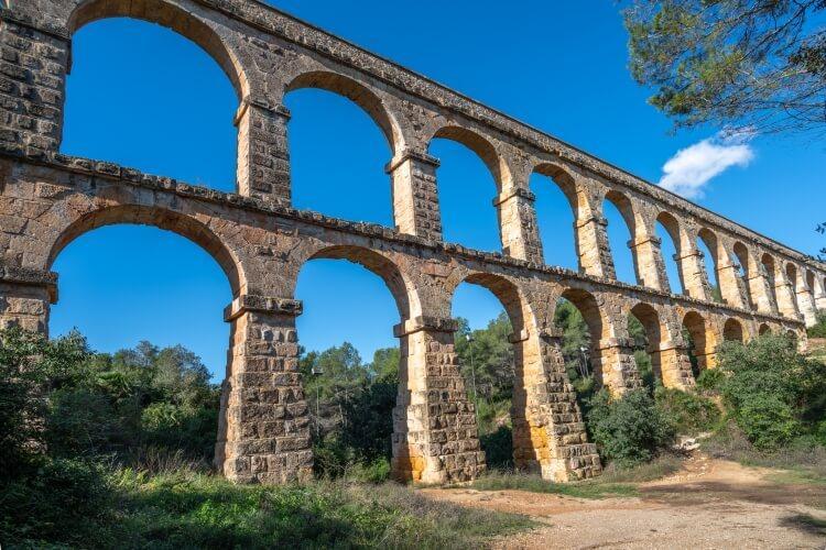 Starożytny rzymski akwedukt w Tarragonie